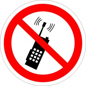 (044) Знак Запрещается пользоваться мобильными телефонами