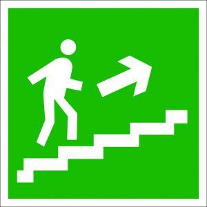 (061) Знак Направление к эвакуационному выходу (по лестнице направо вверх)